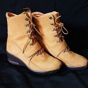 Timberland wedged boots